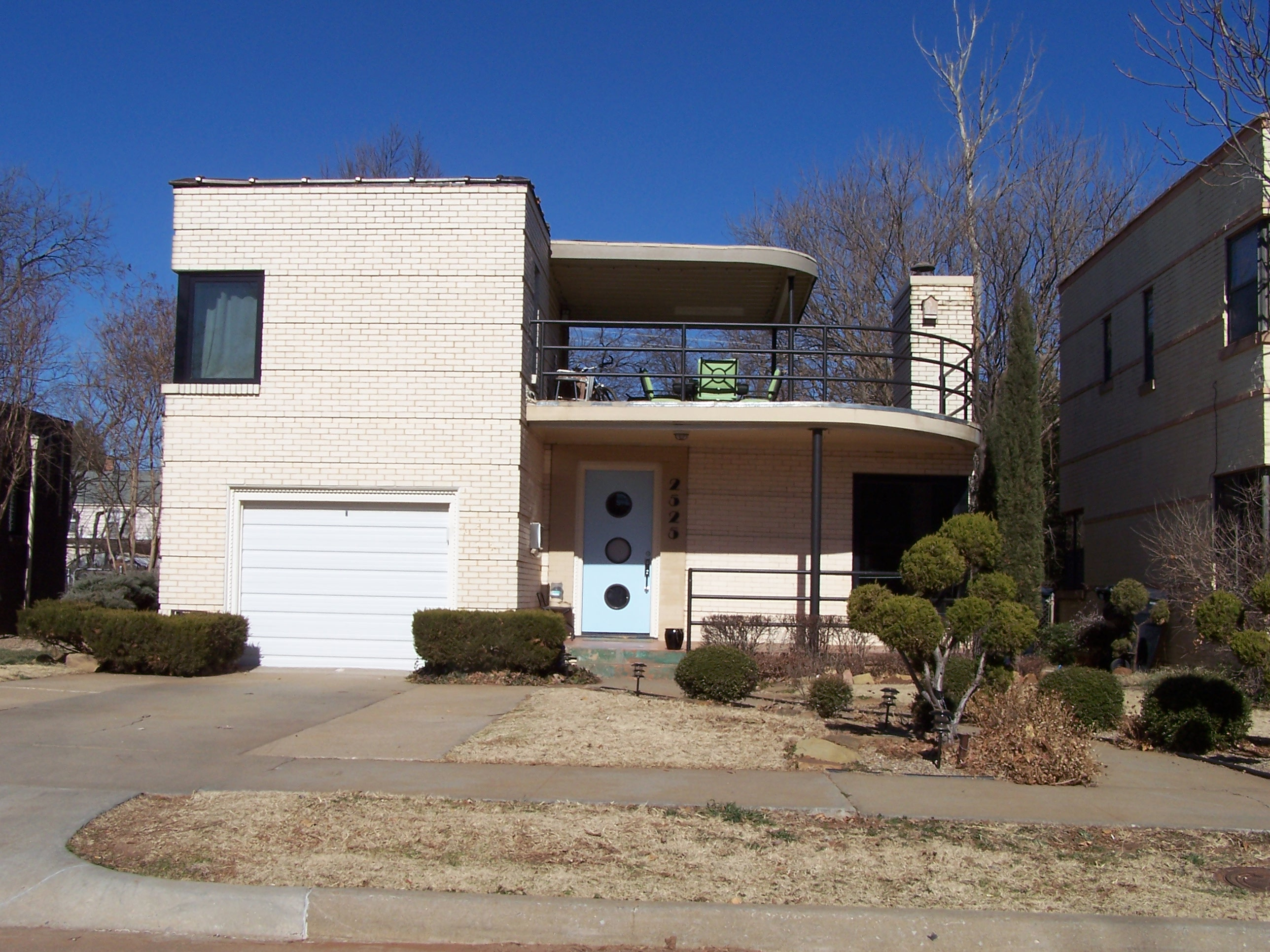 Outstanding Okc Mod Streamline Modern Houses Largest Home Design Picture Inspirations Pitcheantrous