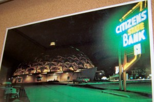 citizens bank neon sign gold dome sign