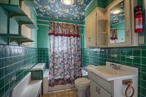 overholser house bathroom