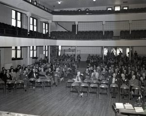 img899_woodward-production-credit-assn_meeting-in-convention-hall_1951